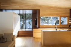La Luge, small vacation cottage, Quebec mountains, designed by Yiacouvakis Hamelin Architectes.