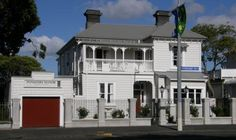 Ponsonby Manor Guest House Auckland Built in 1865, the lovely Ponsonby Manor Guest House boasts free Wi-Fi, a modern guest kitchen and rooms with a flat-screen TV. It is less than 10 minutes' drive from Auckland CBD and Vector Arena.