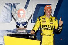 Matt Kenseth wins at New Hampshire as Kevin Harvick runs out of fuel