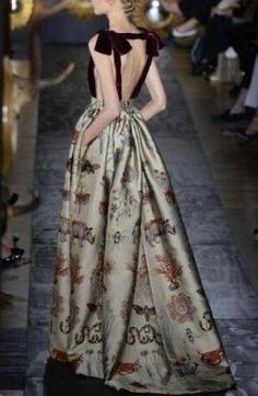 Extrêmement Valentino Fall 2013 Couture - 07 03 13 | VALENTINO | Pinterest  IP72