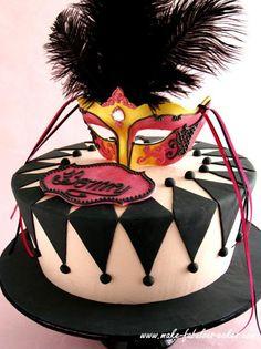 Halloween Recipes : Masquerade Cake