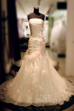 Modest+Trumpet-Mermaid+Strapless+Dropped+Chapel+Train+Organza+Ivory+Sleeveless+Lace+Up-Corset+Wedding+Dress+with+Flower+HS5150