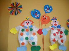 Carnevale: addobbi fai da te per bambini - Clown alle pareti