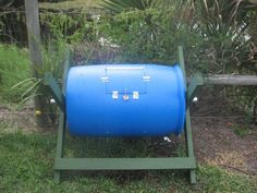 Gardening Compost How to make a compost bin from a 55 gallon drum - I've seen a few compost bin designs online and took a little from each one and came up with this. you can take yard clipping ,leaves and kitchen scraps. any organ. Compost Diy, Diy Compost Tumbler, Compost Barrel, Homemade Compost Bin, Making A Compost Bin, Garden Compost, Composting Toilet, Compost Maker, Composting Bins