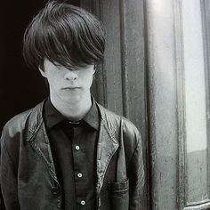 A young Bobby Gillespie Rock Indé, Scottish Bands, Goth Kids, Robert Smith The Cure, Primal Scream, Tour Posters, Indie Pop, Britpop, Music Images