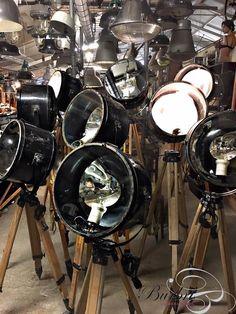 Spot Industrieel stijl in hout en ijzer, vintage - Industriële statief lampen - Industriële Verlichting - Burbri