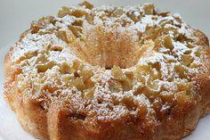 Ένα μυρωδάτο και αφράτο κέικ με μήλα και σταφίδες! Μοσχομύρισε το σπίτι... Ιδανικό για τον πρωϊνό και απογευματινό καφέ ή χυμό σας !!! * Μπορείτε να χρησι