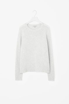 COS image 6 of Relaxed cashmere jumper in Grey Light
