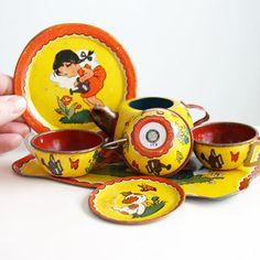 Ohio Arts Children's Garden Tin Tea Set