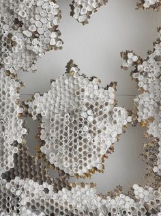 Honeycomb in neutral colours. It is a natural pattern or texture. Geometric repetition from nature. Patterns In Nature, Textures Patterns, Color Patterns, Print Patterns, Natural Forms, Natural Texture, Illustration Manga, In Natura, Textiles
