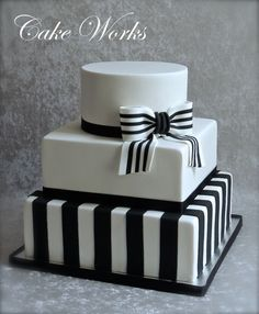 Black White Cakes, Black And White Wedding Cake, White Wedding Cakes, Elegant Wedding Cakes, Beautiful Wedding Cakes, Beautiful Cakes, Striped Wedding, Wedding Simple, Birthday Cake Fondant