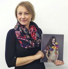 """Kathleen Herfurth, Project Manager at Kerber Verlag, presenting the book """"Opera II"""" http://kerberverlag.tumblr.com/post/70176727833/unsere-liebsten-buecher-2013-und-ein-kleiner-ausblick"""