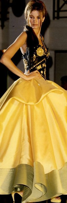Atelier Versace, Black N Yellow, Couture Fashion, Runway, Skirts, Ss, Design, Style, Color