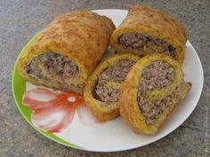Сырный рулет с мясом / Рецепты с фото