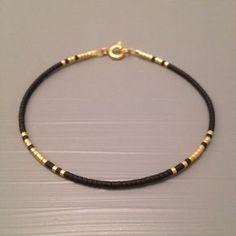 Everyday bracelet Minimalist bracelet by ToccoDiLustro Tous les jours . - Everyday bracelet Minimalist bracelet by ToccoDiLustro Tous les jours Bracelet Bracelet minimaliste - Simple Bracelets, Simple Jewelry, Diy Jewelry, Beaded Jewelry, Jewelry Accessories, Handmade Jewelry, Jewelry Design, Beaded Bracelets, Ankle Bracelets