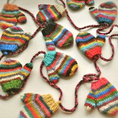 Knitted mini mittens garland #anthro