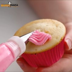 Cake Decorating Frosting, Cake Decorating Videos, Cake Decorating Techniques, Halloween Cupcakes, Christmas Cupcakes, Christmas Desserts, Cupcake Icing, Cupcake Cakes, Food Cakes