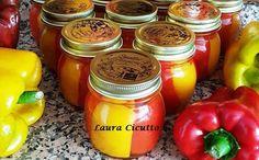 Questa sfiziosa conserva di peperoni in agrodolce è davvero semplice da realizzare, e vi garantirà una bella scorta per tutto l'inverno! A Food, Food And Drink, Preserves, Food To Make, Salsa, Mason Jars, Vegetables, Cooking, Recipes