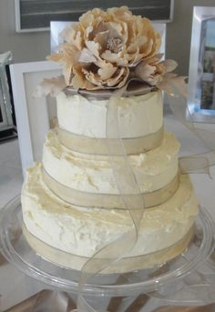how to make easy buttercream wedding cake with fresh flowers - Google Search