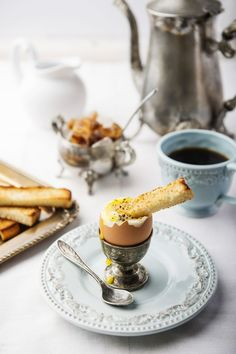 have a breakfast? Breakfast At Tiffanys, Breakfast Time, Art Cafe, Yummy Drinks, Brunch Recipes, Afternoon Tea, Love Food, Food Photography, Food And Drink