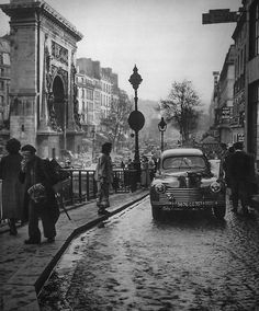 Paris Photo: Janine Niepce…ღ…reépinglé par Maurie Daboux…. Old Pictures, Old Photos, Vintage Photos, Vintage Paris, Vintage Soul, Vintage Photography, Street Photography, Paris France, Paris Photos