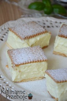 Napoleonka na herbatnikach – to szybkie i proste w wykonaniu ciasto bez pieczenia. Polecam je wszystkim, którzy uwielbiają maślano-budyniowe kremy :) Podane składniki dotyczą blaszki o wymiarach 23,5cm x 23,5cm. Więcej przepisów na ciasta bez pieczenia znajdziecie pod kategorią: Ciasta bez pieczenia – przepisy Polecam Wam również słynne ciasto 3 bit bez pieczenia :) tutaj […] Vanilla Cake, Cheesecake, Food And Drink, Sweets, Baking, Dom, Kitchen, Gourmet, Diet