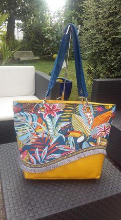 Sac Samba tropical jaune et bleu cousu par Doriane - Patron Sacôtin