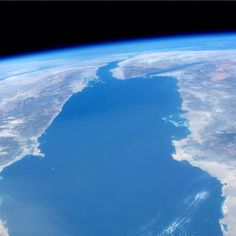 """""""Looking north on the Red Sea."""" The left shoreline is Egypt, the right shoreline is Saudi Arabia. 23/Jun/2014 Picture: Astronaut Steve Swanson"""
