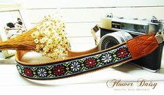black pure daisy camera strap