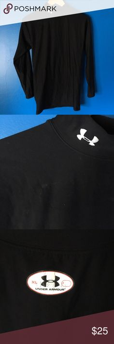 {Mens} Under Armour | Black Turtle Neck Mens turtle neck long sleeve black under armor. Only flaw is small discoloration see 2nd photo hardly noticeable. Size XL. 65% nylon 21% polyester 14% elastane. Under Armour Underwear & Socks Undershirts
