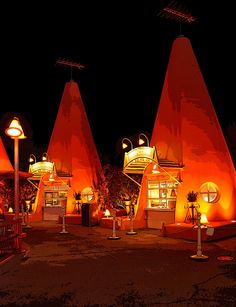 Cozy Cone Motel - Cars Land