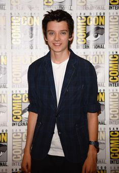 Asa Butterfield Photos: 'Divergent' and 'Ender's Game' Press Lines at Comic-Con