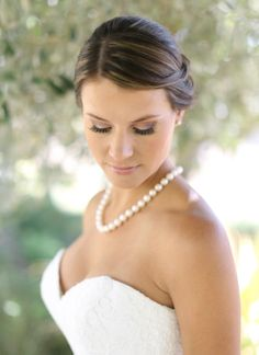 Classic bridal beauty. Photo by Aaron Snow Photography. www.wedsociety.com #wedding #beauty