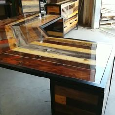 Custom Industrial Desk with Reclaimed Wood and Steel - Custom Industrial style deep desk w/ reclaimed wood, epoxied all the way around and wrapped i - Woodworking Bench Plans, Woodworking Furniture, Woodworking Projects, Woodworking Classes, Woodworking Shop, Woodworking Joints, Woodworking Patterns, Youtube Woodworking, Woodworking Workshop