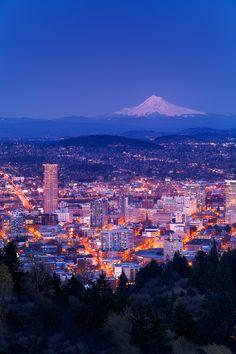 Portland and Mount Hood, Oregon, U. State Of Oregon, Oregon Usa, Oregon Coast, Portland Oregon, Visit Portland, Downtown Portland, Beautiful Sites, Beautiful World, Wonderful Places