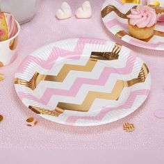 assiettes chevron rose et or decoration fête anniversaire baby shower fille baptême- pink and gold chevron plates party birthday, baptism, girl baby shower
