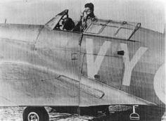S/L Peter W Townsend awaits the scramble bell in Hurricane Mk I VY-Q at RAF Croydon in 1940. No 85 Squadron RAF was ordered to scramble at 15.00 on 26 August and sighted 18 Do 215 bombers 27 minutes into the interception. The pilots delivered a frontal attack just off the coast near Margate while on the second head-on attack the bottom section of the stepped up formation broke away from the main body.