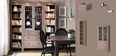 IKEA Österreich, HEMNES Bücherregale graubraun und Glastürschrank mit Schubladen