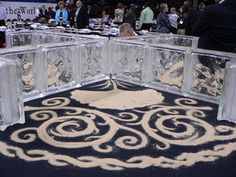 Google Image Result for http://cnumc.org/console/files/oPictures_Pages_HSBCSF/Gen_Conf_Communion_table_web_DV6D7XWB.jpg