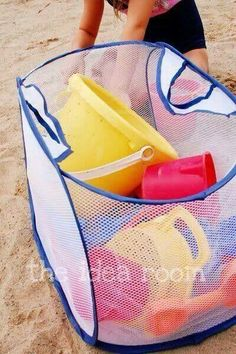 Works: Take a folding mesh laundry bag to the beach for toys etc. For easy cleaning & carrying.