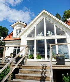 Kärngården - stort hus med mycket ljusinsläpp från Myresjöhus Exterior Design, Interior And Exterior, Sunroom Kitchen, Home Fashion, Cozy House, Future House, Villa, House Ideas, Design Inspiration