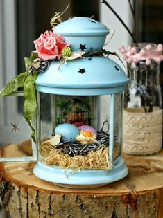 osterdeko basteln ideen metallene laterne ostereier rosen holzklotz The most historic Easter time products, as Decor Crafts, Diy And Crafts, Decoration Vitrine, Diy Y Manualidades, Metal Lanterns, Deco Floral, Easter Party, Easter Treats, Spring Crafts