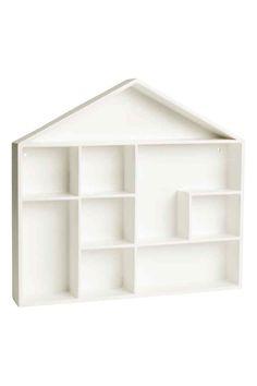 Portaoggetti da parete: Portaoggetti da parete a forma di casa in MDF laccato. Con fori per appenderlo. Viti non incluse. Larghezza 32 cm, altezza 32 cm, profondità 5 cm.