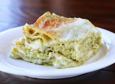 Spinach Artichoke Lasagna | Easy Vegetable Lasagna Recipes | | https://homemaderecipes.com/easy-vegetable-lasagna-recipes/