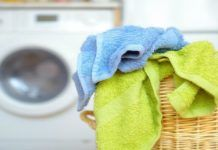 Cold or hot water? Tumble dry low or air dry? Learn tips and tricks for washing towels and bath mats from Cincinnati's own Laundry Magician!