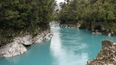 Don't miss the Hokitika Gorge – a glacial river with turquoise water surrounded by amazing rock formations