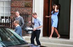Royal baby introduced to the world, as Kate Middleton, Prince William carry son outside hospital