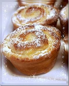 Briochettes à la crème au citron Bread And Pastries, French Pastries, Sweet Recipes, Cake Recipes, Dessert Recipes, Mini Desserts, Delicious Desserts, Sweet Bread, Baked Goods