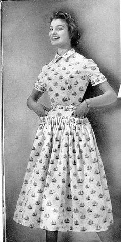 vintage 1950s dress   50s ship novelty print dress   pocket detail