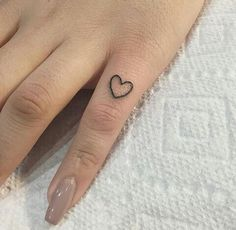 Image about nails in tattoos by Hayley on We Heart It - Discovered by 𝐈𝐒𝐀𝐁𝐄𝐋𝐋𝐀. Find images and videos about girl, na - Tiny Tattoos For Girls, Cute Tiny Tattoos, Dainty Tattoos, Little Tattoos, Pretty Tattoos, Small Tattoos, Tattoos For Women, Finger Tattoo Herz, Heart Tattoo On Finger